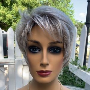 HiVision short light brown/ grey Synthetic wig